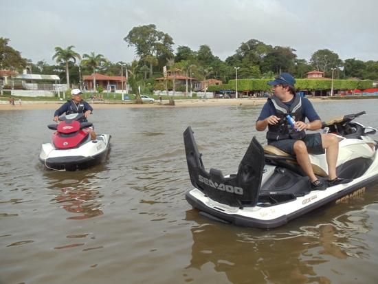 Lionel Pinho e Thiago, preparando-se para retornar a Belém, no domingo.