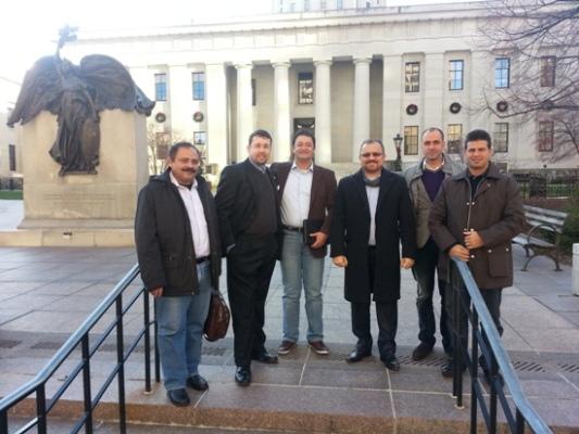 João Salame e comitiva em frente ao Palácio do Governo de Ohio, na capital Columbus.