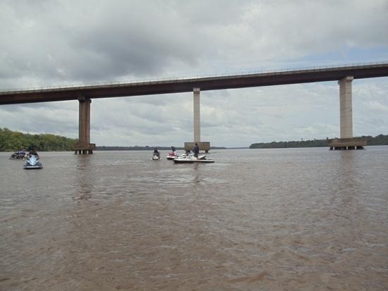 Ponte Moju 2,  próximo ao encontro do rio Acará