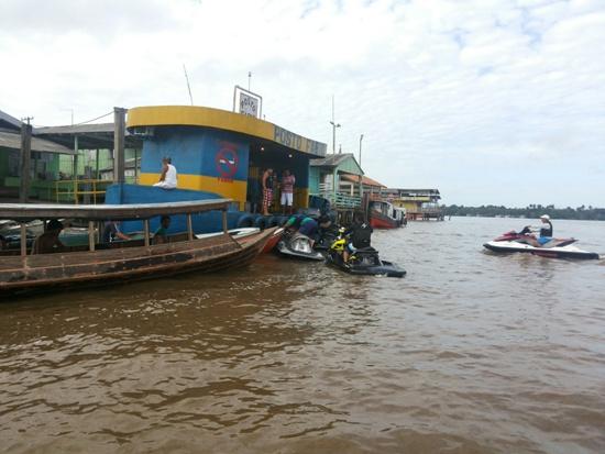 Abastecendo em Vila Maiauatá