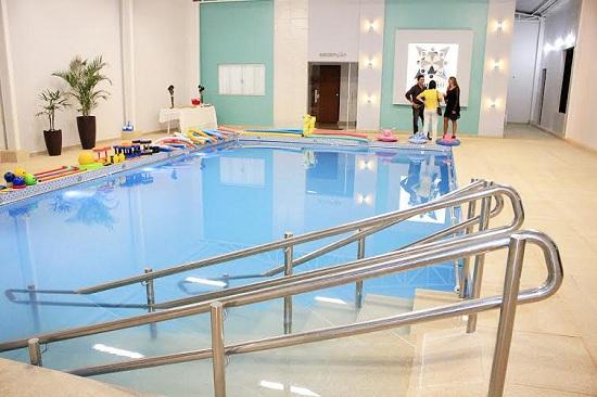 Imagem mostra um dos planos da piscina