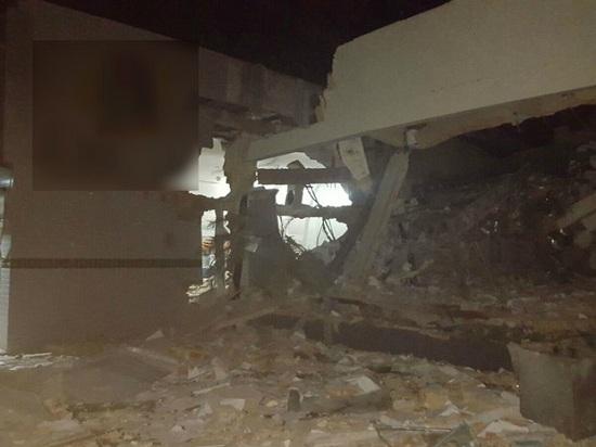 Banco ficou destruído após explosão em Araguatins (Foto: Divulgação)