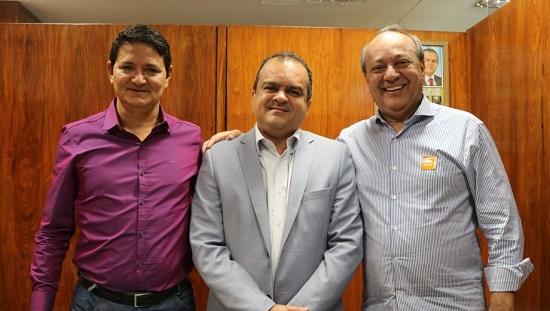 Beto e Tião firmam parcerias por Marabá