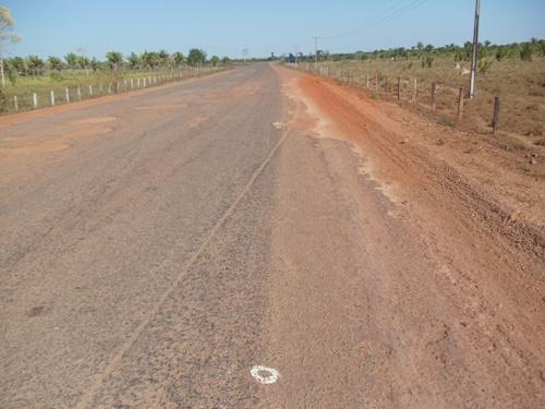 Entre Marabá e o rio Araguaia, a Transamazônica.....