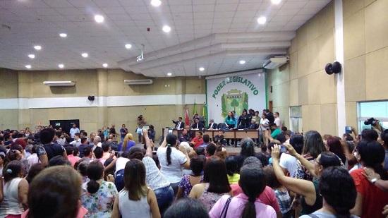 Quebra-quebra na Câmara de Marabá adia votação de mudança do PCCR