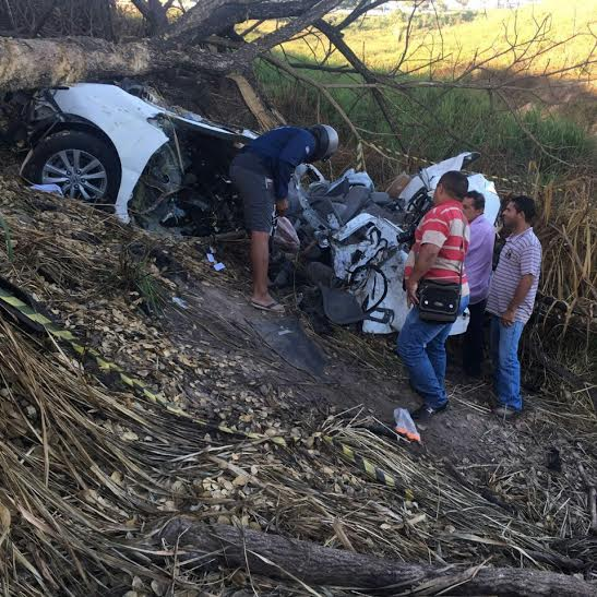 Estado em que ficou o carro da jovem, depois do acidente