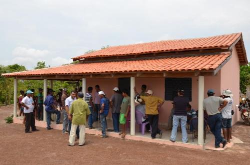 Novas casas entregues pelo governo federal, levando dignidade aos trabalhadores rurais.