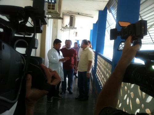 Prefeito e Secretário de Saúde visitam instalações....