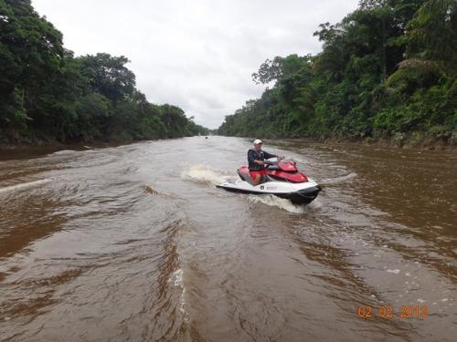 Leonel Pinho, mo Furo dos Escravos. Este caminho interliga as cabeceira do  rio Igarapé Miri aos rio Moju.