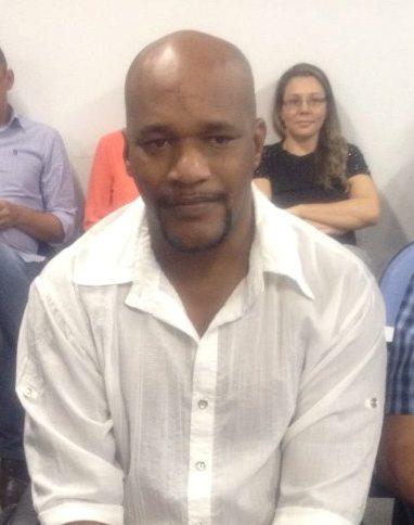 Médico cubano Alexis Garmuris Calderon