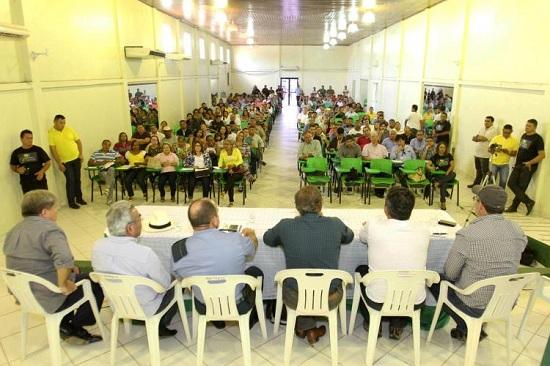 Comunidade de Moju reunida com secretário de Transportes