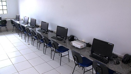 Laboratório com Internet