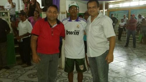 Deputado Chico da Pesca, Isaias (presidente da Colônia) e Beto Salame.