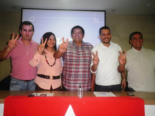 Milton Zimmer, vereadora Toínha, deputado Beto Faro (AS), Marcelo Alves e Demerval (DS), fecham acordo para segundo turno da eleição do PED.