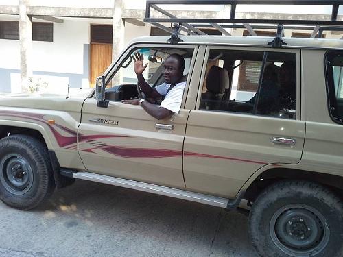 Padre César em seu trabalho religioso, no Congo.