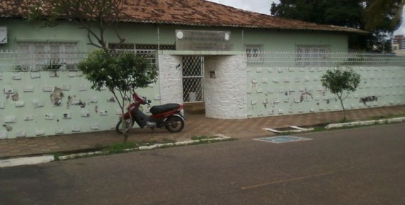 O antigo prédio da Defensoria Pública em Paragominas já não oferece condições de atendimento