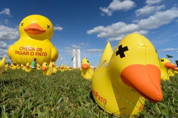 Símbolo usado pela Fiesp nas manifestações contra Dilma, o Pato, na verdade, eles nunca pagaram.