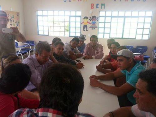Pedro Souza na solenidade de inauguração da escola.