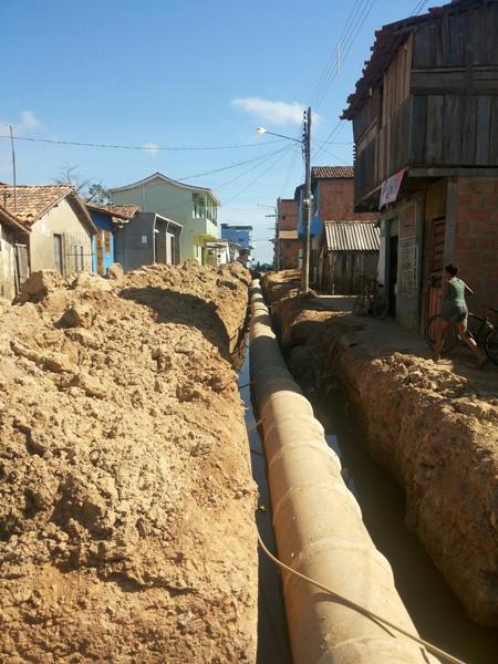Toda a extensão da rua Pará (Santa Rosa, recebendo drenagem. Depois começa o asfalto