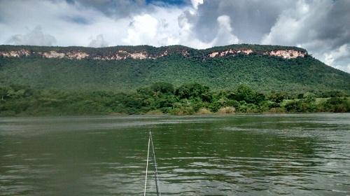 Rio Tocantins, acima de Lageado (TO)