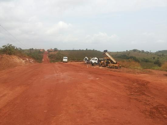 Máquinas da CCM começam a trabalhar pavimentação de 5 km da  Transam
