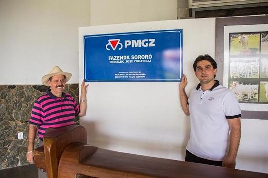 Reinaldo e o filho Alexandre Zucatelli: certificados pelo PMCZ