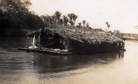 Balsa de buriti idêntica a essa da foto, descerá o Tocantins - de Estreito a Marabá.