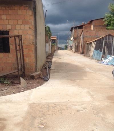 Asfaltamento de ruas ligando a Pará a Silvino Santis.